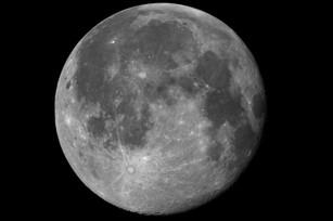 Moon001h21_lr_web